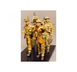 "Vickers & infantry crew ""marching order"""